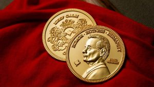 Gold is a 'safer bet than chasing overvalued stocks': FXTM