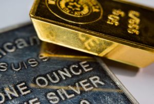 Hedge funds still bullish on gold and silver but bearish cracks appearing