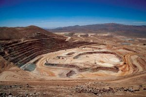 Copper edges lower as output from Chile, Peru rises