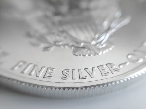 Silver technical analysis: watching head-and-shoulders pattern