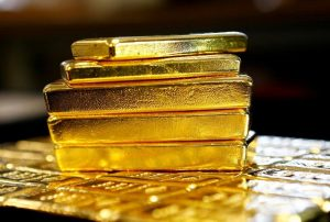 Gold Dips Again as Dollar Surprisingly Becomes 'Haven of Choice'