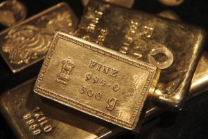 Gold Notches 3rd Day of Gains Amid Dollar Swings