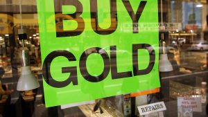 Gold declines, on track for worst weekly slump since March