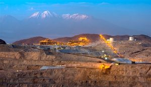 Peru copper output slips back 10% in August; zinc, tin production up