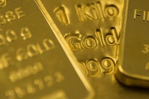 Gold Price at 10-Month Low on Rising Bond Yields
