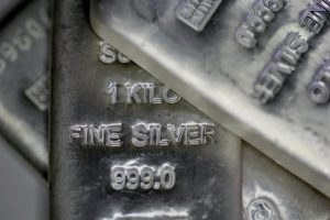 Retail traders switch to silver following attack on hedge funds