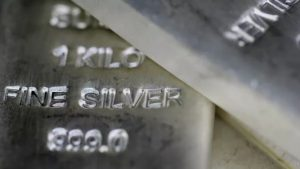 Redditors set their eyes on silver but is the shine gone?